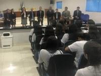 CÂMARA MUNICIPAL RECEBE VISITA DE ALUNOS DO PROJETO PATRULHA ELEITORAL