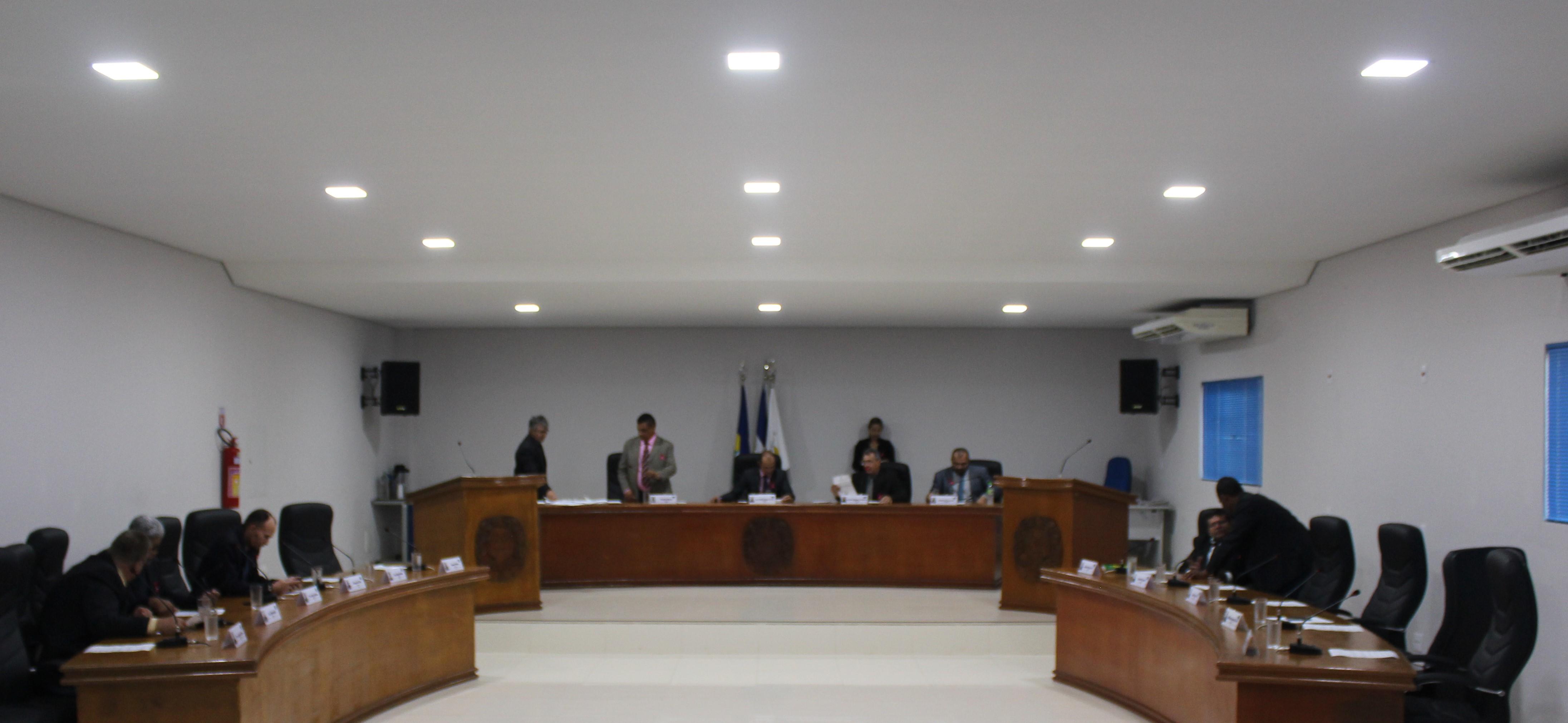 EM DECISÃO UNANIME CÂMARA MUNICIPAL DE JARU APROVA MOÇÃO DE APLAUSO A EMPRESÁRIO POR TRABALHO SOCIAL